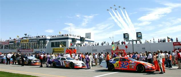 2005 NASCAR NEXTEL Cup race at Las Vegas.