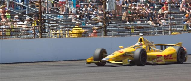 Ryan Hunter-Reay on his way to win the 2014 Indy 500 for Andretti Autosport.