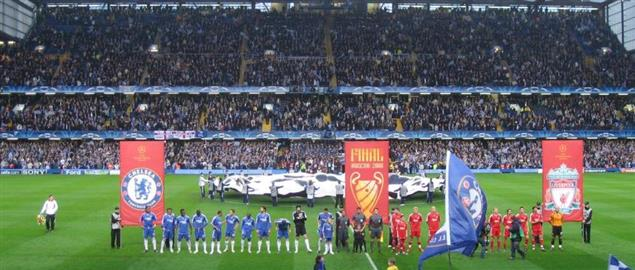 The teams line up ahead of the 2007–08 UEFA Champions League- Chelsea and Liverpool