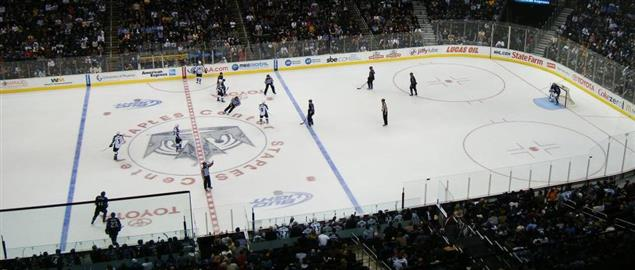 LA Kings taking on the Avalanche at home, 3/22/2010.
