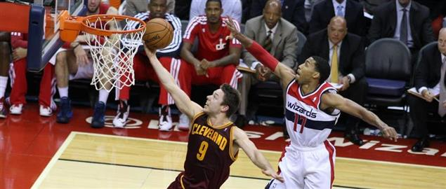 Dellavedova of the Cavs laying up over Temple of the Wizards at Verizon Center, 11/16/13.