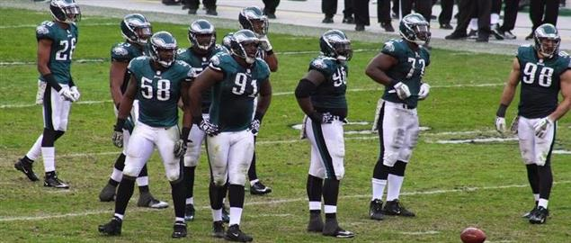 The Philadelphia Eagles defense on the field during the 2013 season.